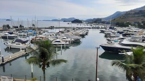 Flat Marina piratas - Angra dos Reis - Beira mar
