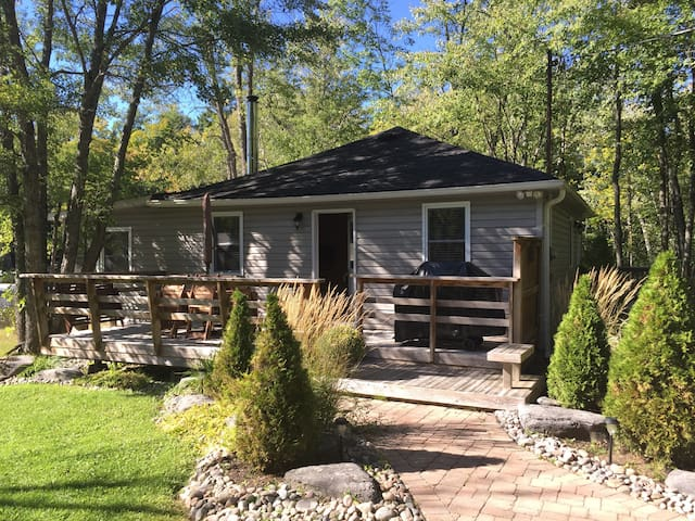 Pleasantview Cottage on Shadow Lake - Kawartha Lakes - Srub
