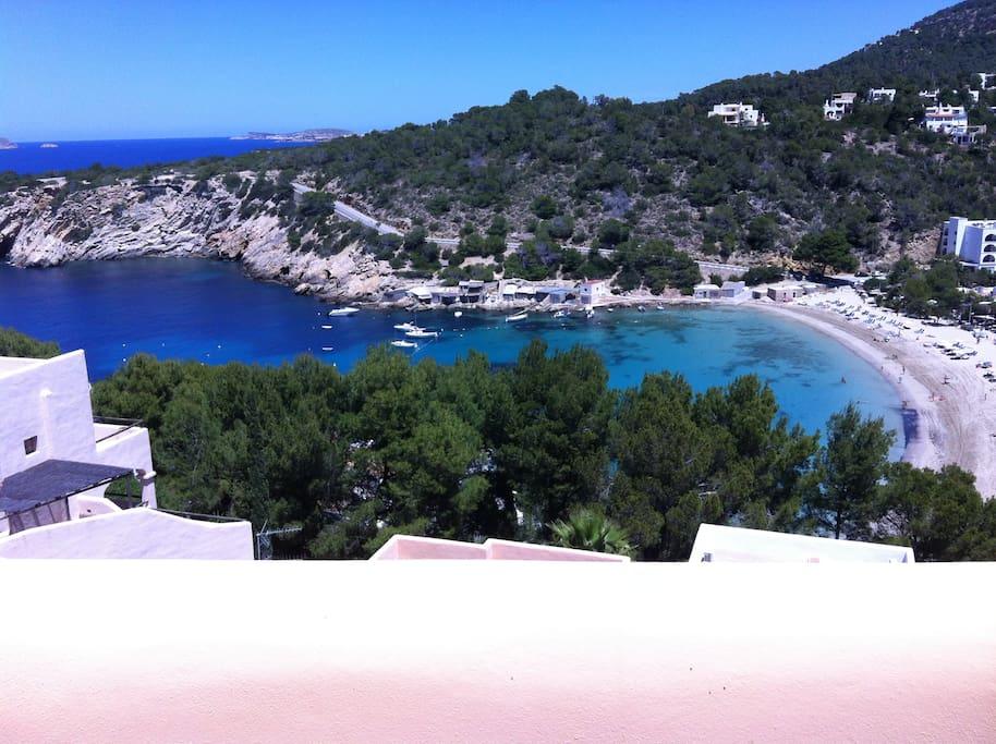 Villa de 6 dormitorios con piscina 100 m de playa houses for Crystal water piscinas