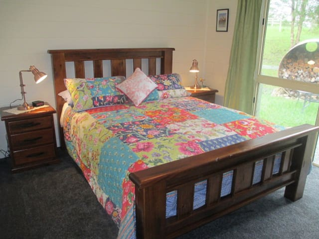 QUIET COUNTRY GETAWAY - Nana Glen - Bed & Breakfast