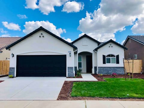 Clean, Cozy, Brand New Home in North Merced