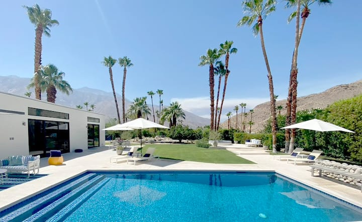 Luxurious Palm Springs Home on Park-Like Grounds