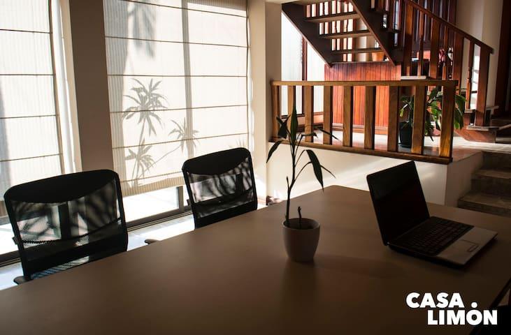 Casa Limon - Sleep, cowork and network!