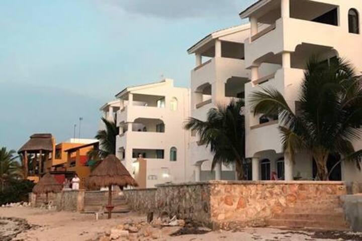 Condominio frente al mar, Royal Beach ll