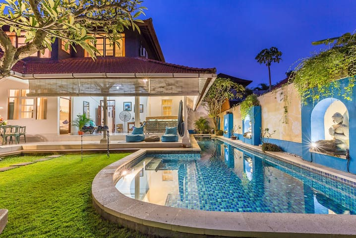 Real BALI 600m from beach 15m pool 3 Bedrooms