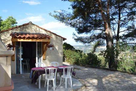 studio indépendant à la campagne - Le Castellet