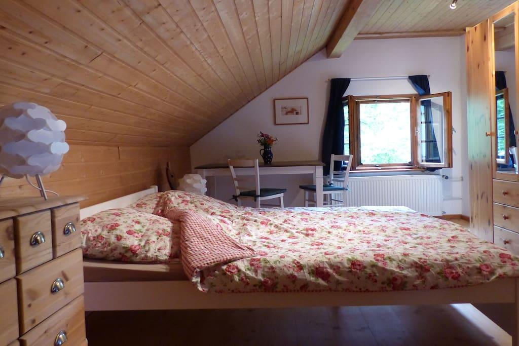 Zimmer 1 Doppelbett 180x200