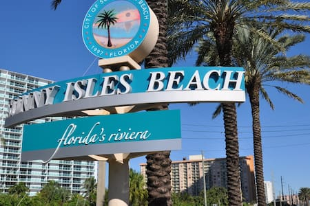 Intracoastal Sunny Isles Beach Apartments - Sunny Isles Beach
