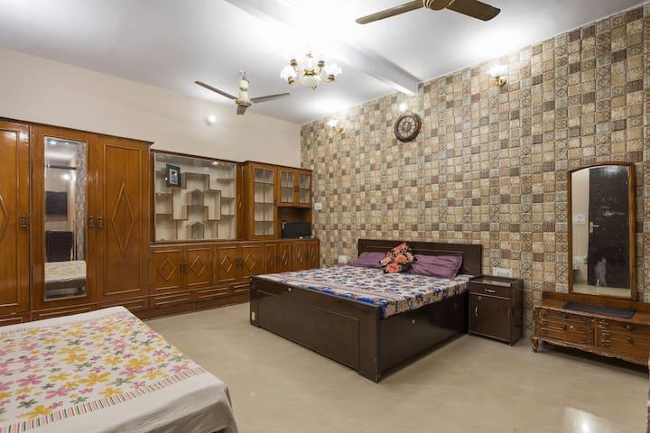 1st floor Sufikhandar home stay n