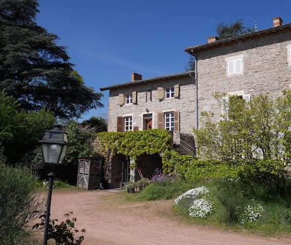 StRoch, heart of the wine estate - Villié-Morgon - House