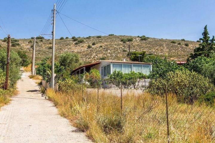 Εξοχικό με θέα -- Summer house with view