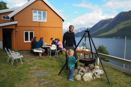 Charming house with stunning views in Romsdal
