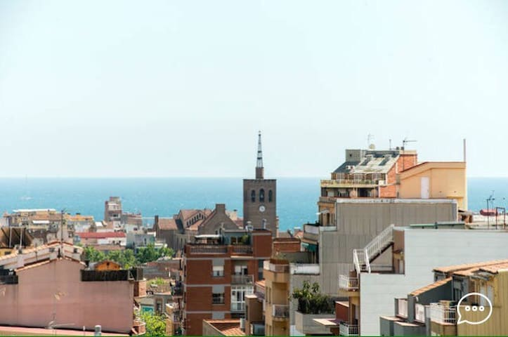 Two rooms together with a private balcony - Badalona - Apartemen