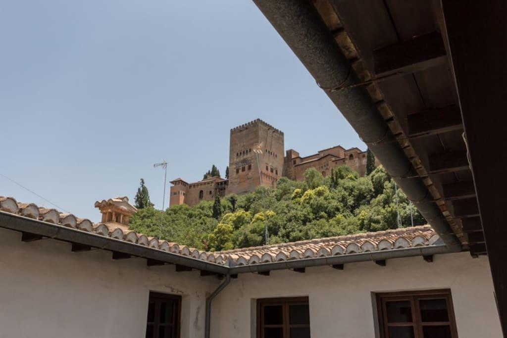 Acogedor piso con admirables vistas a la Alhambra.