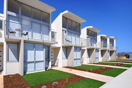 The Waves, Beachfront Unit 9 - Jurien Bay - Αρχοντικό