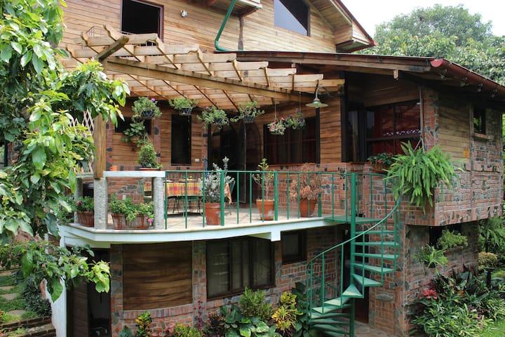 Cabaña en Las Orquideas, Juayua. para 4 personas.