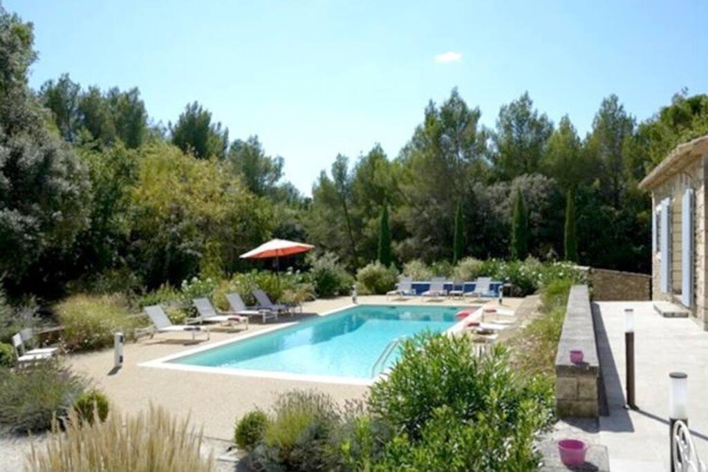 Villa avec piscine dans le luberon en provence villas for Piscine en provence