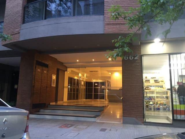 Buenos Aires 662 -alojamiento p/2 personas -centro
