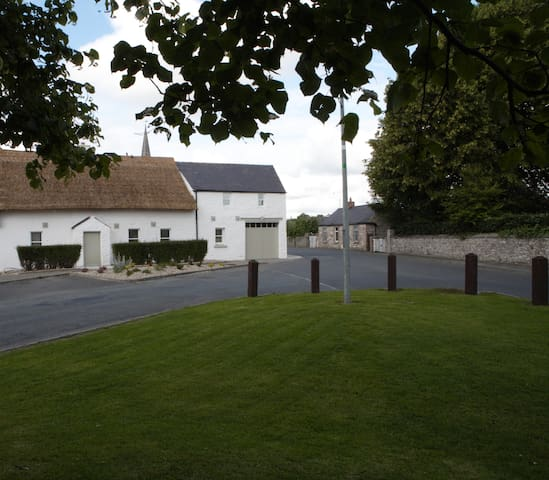 Unique Stone Barn Conversion - Duleek