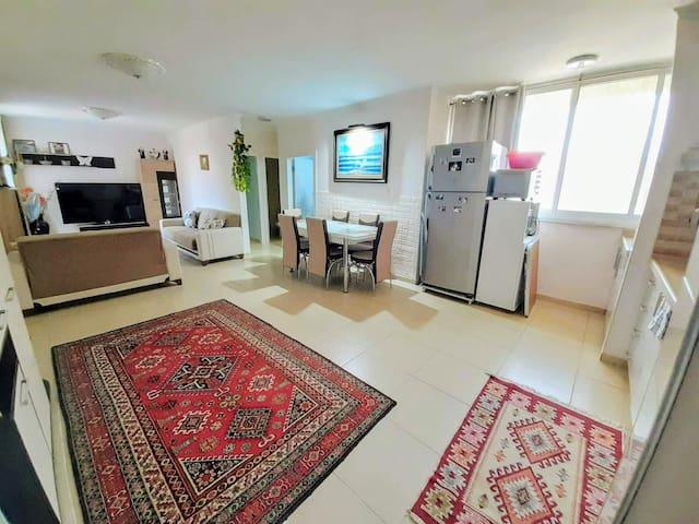 Уютная семейная квартира, 30 мин. от Mертвого моря