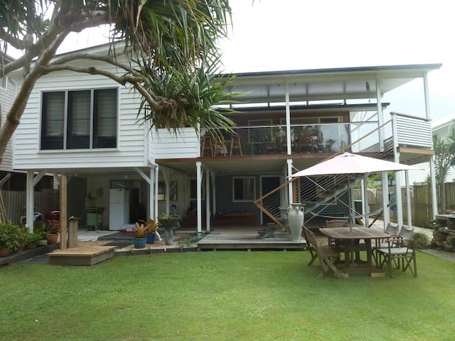 Lovely Beach House - New Brighton - บ้าน