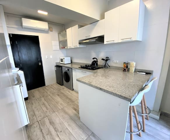 Miraflores Studio Apartment with A/C