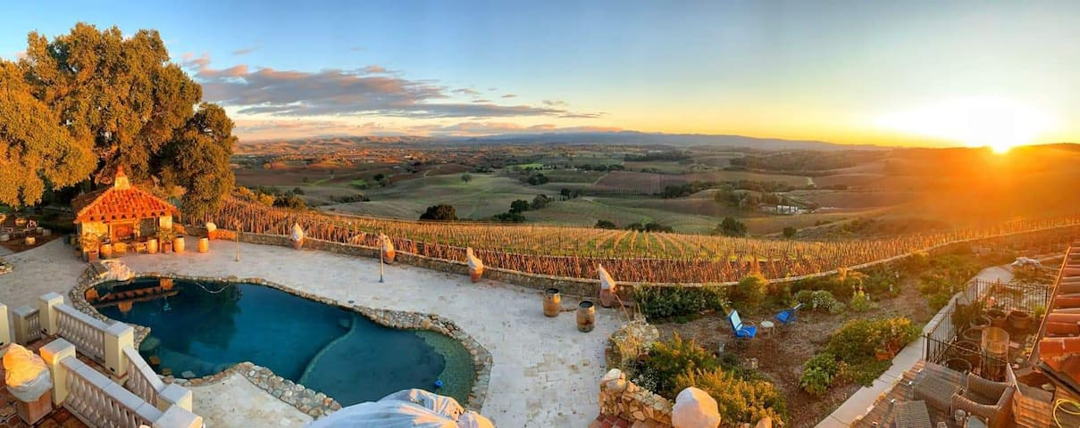 Paso Robles Vineyard Villa Guest Suite