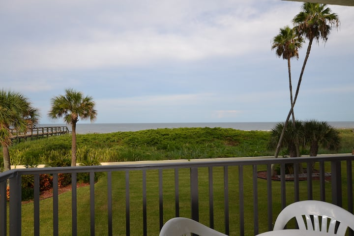 Fully updated Oceanfront 3 bedroom condo