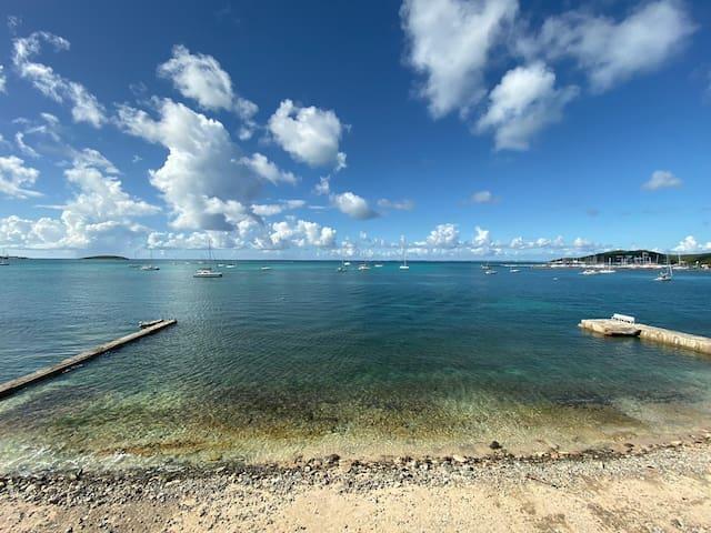 Appartement refait à neuf avec vue mer et Anguilla