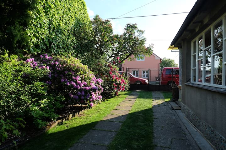 Beautiful village house with pool - Krakovany - Hus