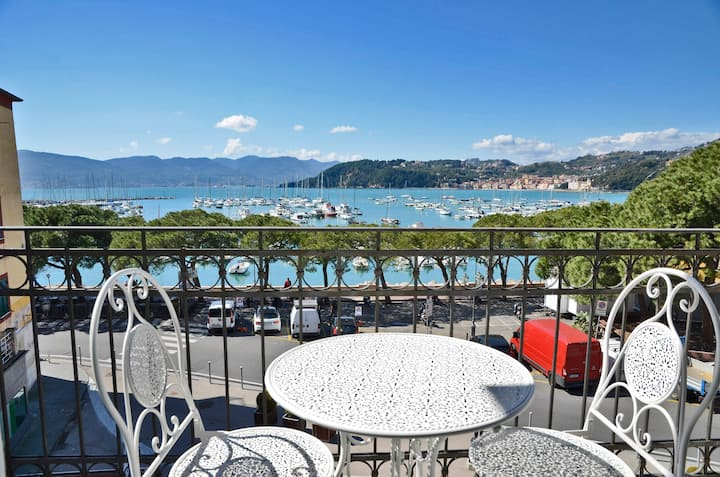 The Best View Of The Sea - Lerici - 011016-LT-0006