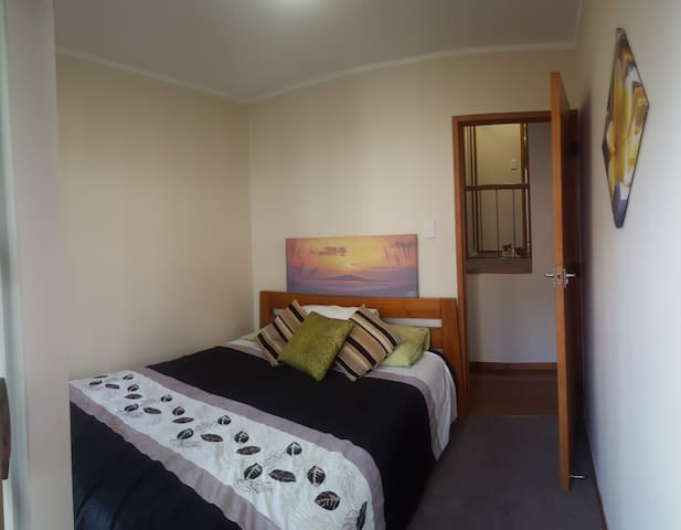 Great location and Queen bed! - Auckland - Talo