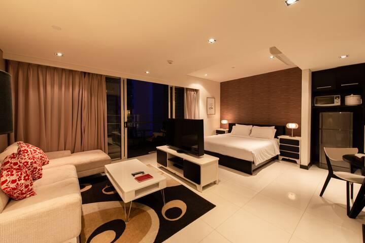 COSTA. Sparkling. Balcony. Premium Studio Apt