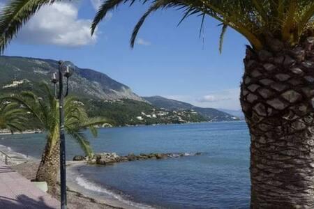 Luxury seaside beach front for 4-6 people - Moraitika
