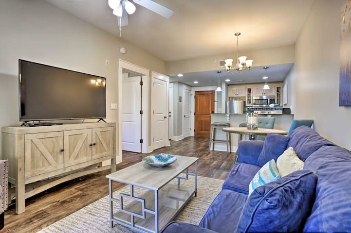 Village at Baytowne Wharf - Condo w/ Patio + Pool!