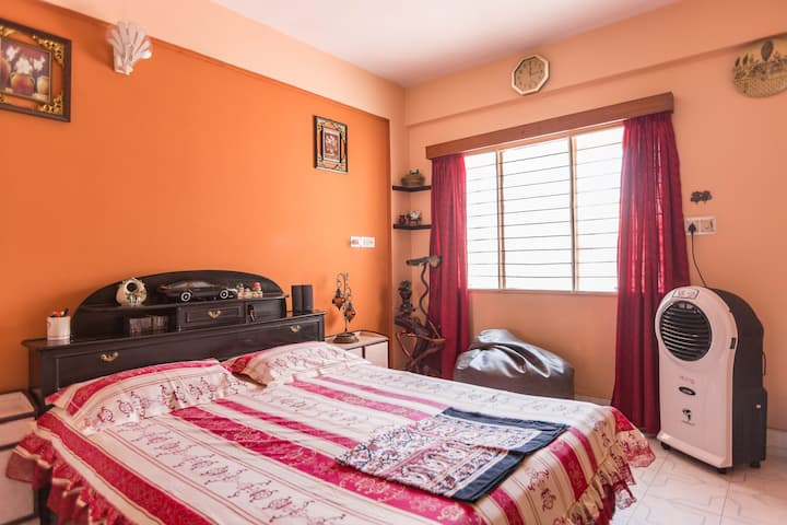 Double BR with Compli. Breakfast, Kitchen & Wifi