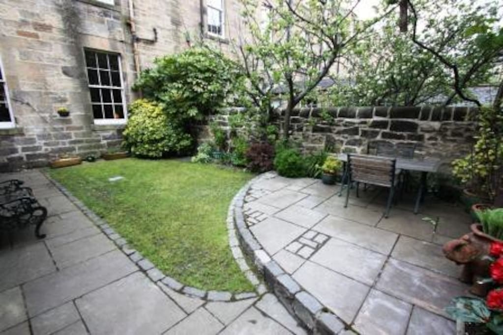 Beautiful enclosed private garden
