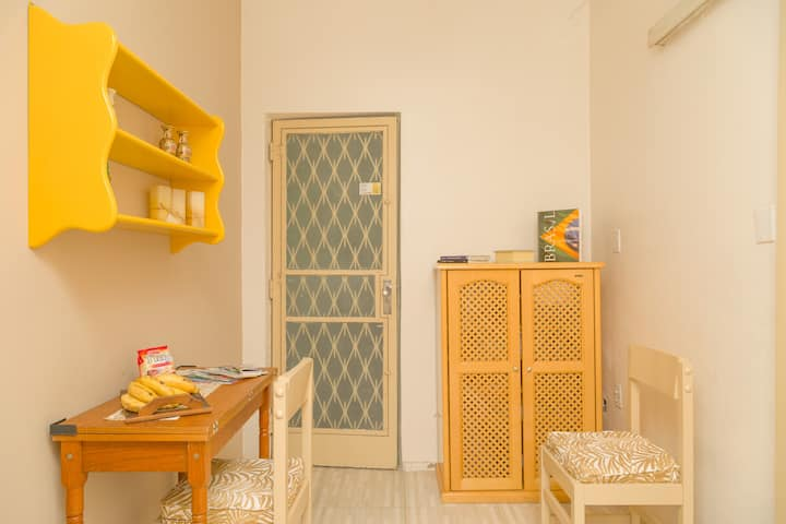 Flat near Federal University and parties