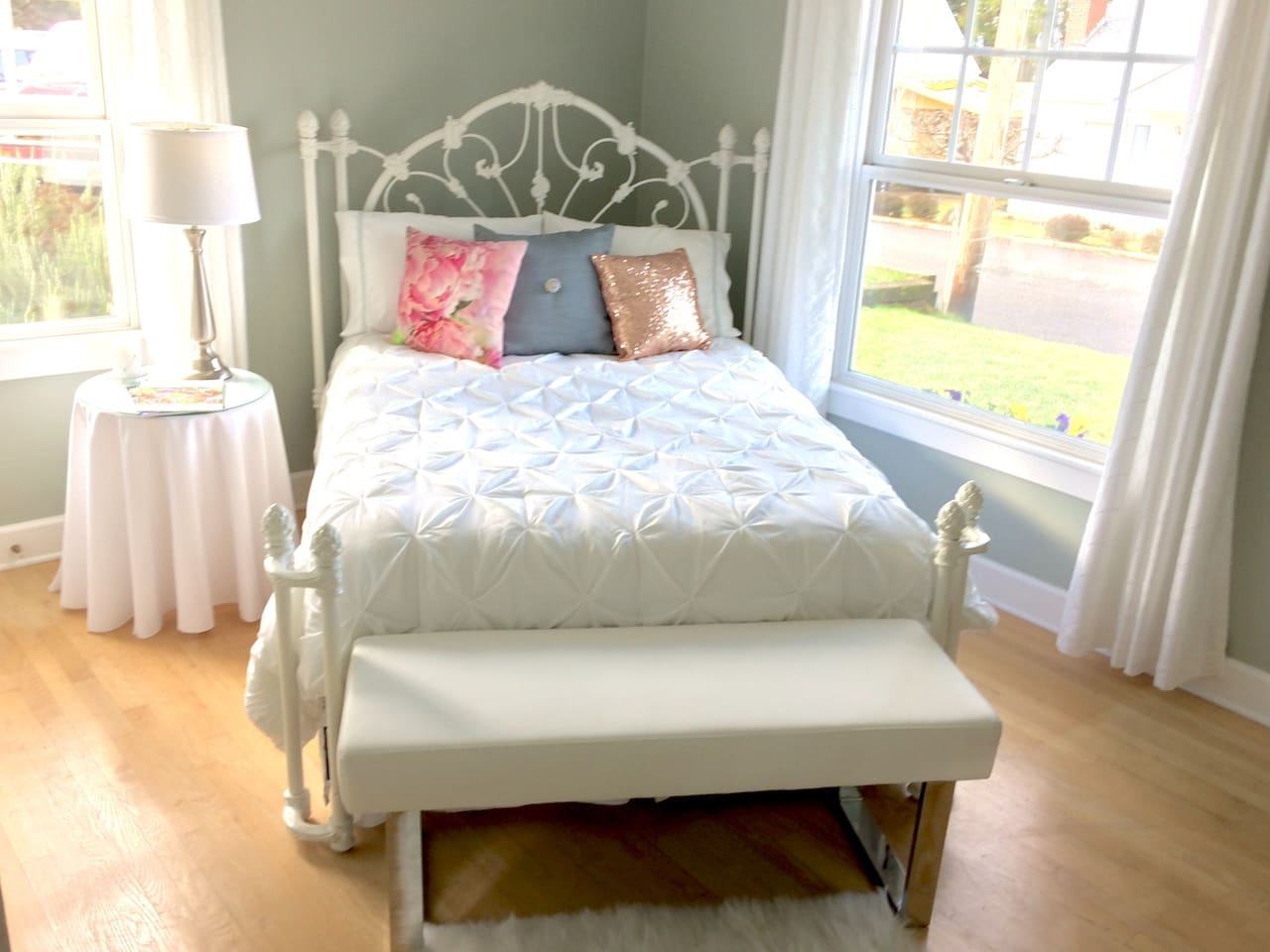 Very comfortable full size bed