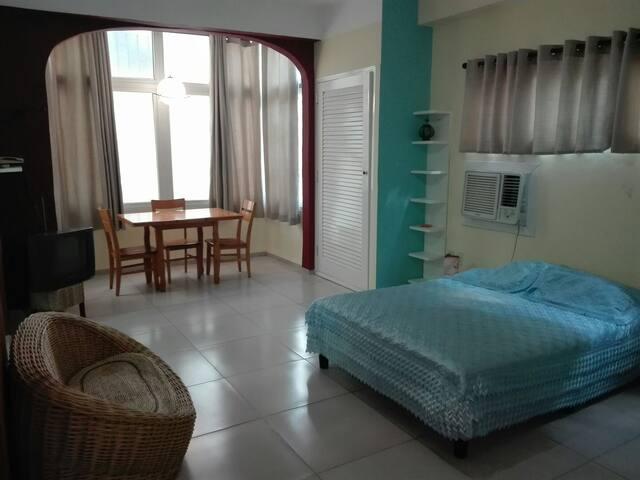 Acogedor apartamento 500 mts del Malecon.(Oferta)