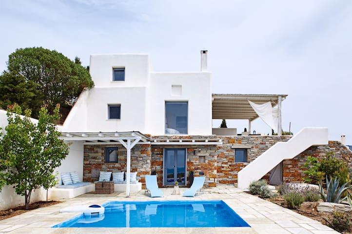 Photographer's Pool