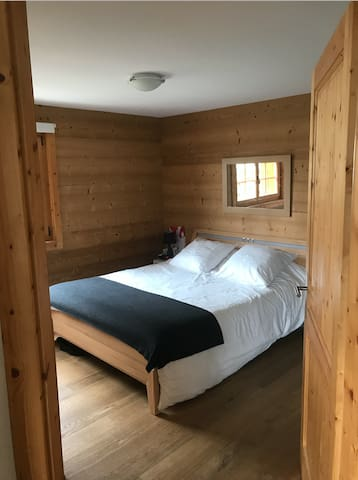 Modern, cozy apt in 400 m from slopes, 6km to golf