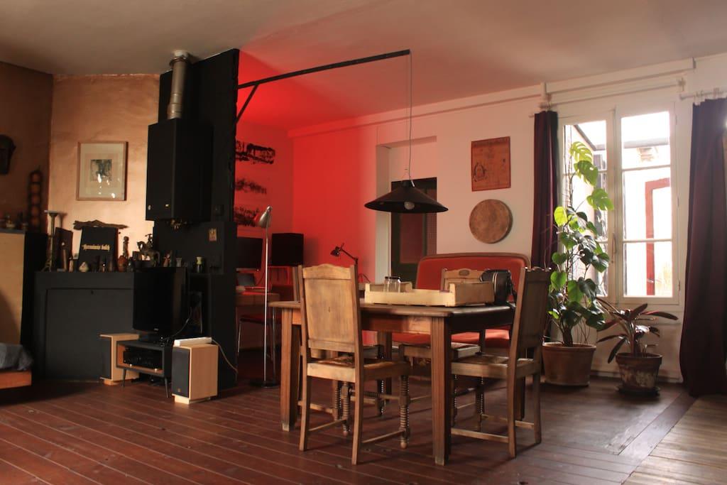 maison atypique proche centre ville maisons louer rennes bretagne france. Black Bedroom Furniture Sets. Home Design Ideas