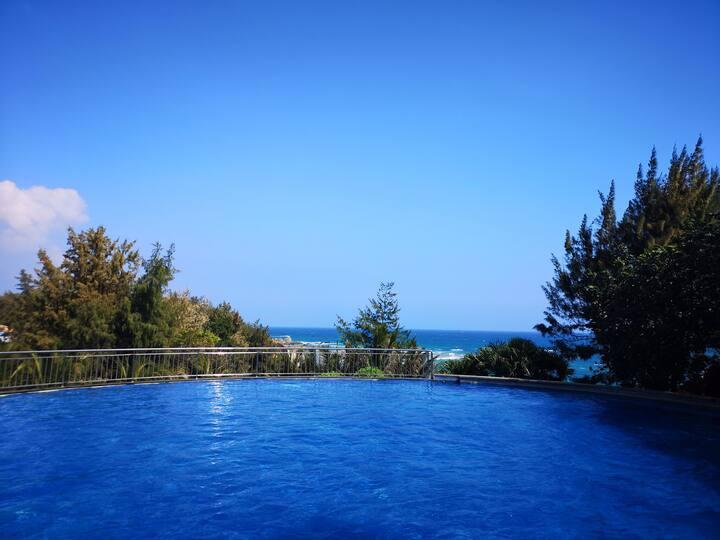 陵水香水湾跃层160平米三室两厅两卫精装房,步行去海边5分钟。