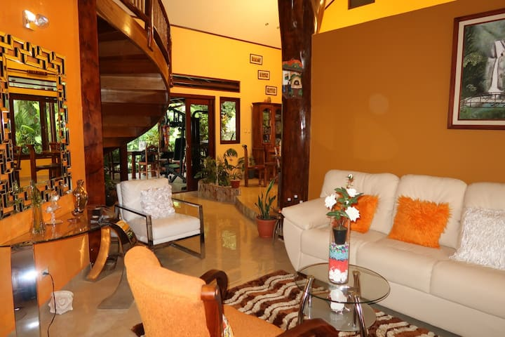 Villa Mussaenda+Pool+Large Jacuzzi, Great Location