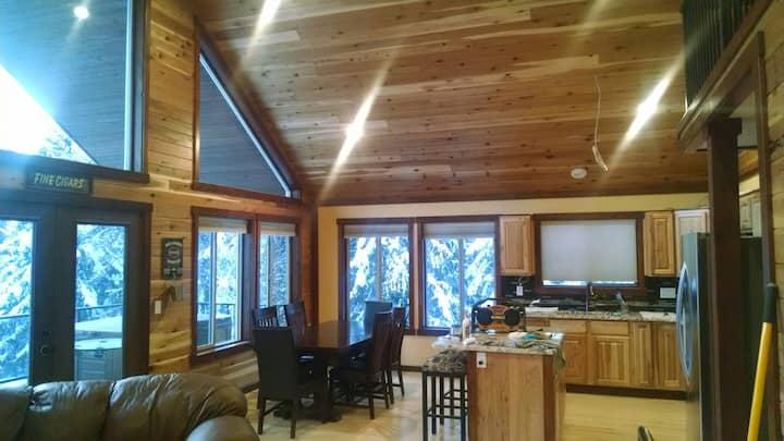 Priest Lake Custom Cabin