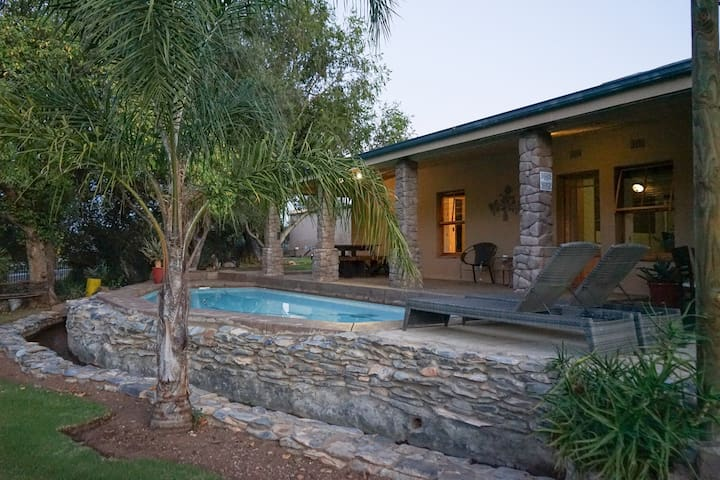 Cango Caves Estate - Self-Catering Farm Stay
