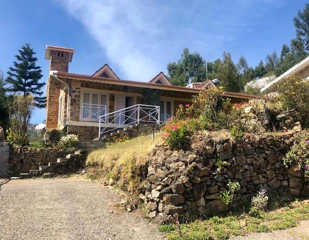 Rustic, Charming, Quaint Cottage at Kodaikanal
