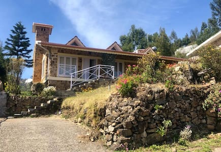 Rustic, Charming, Quaint Cottage at Kodaikanal