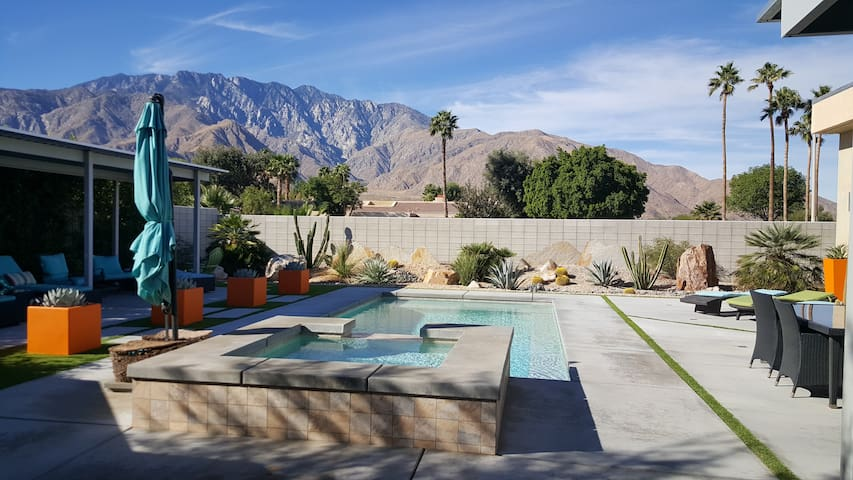 The Ultimate Palm Springs Lifestyle